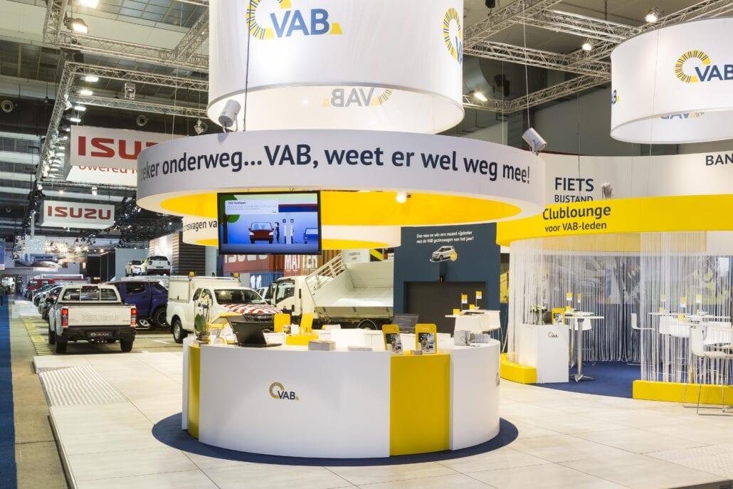 ronde vormen op de beursstand van VAB op Autosalon Brussel