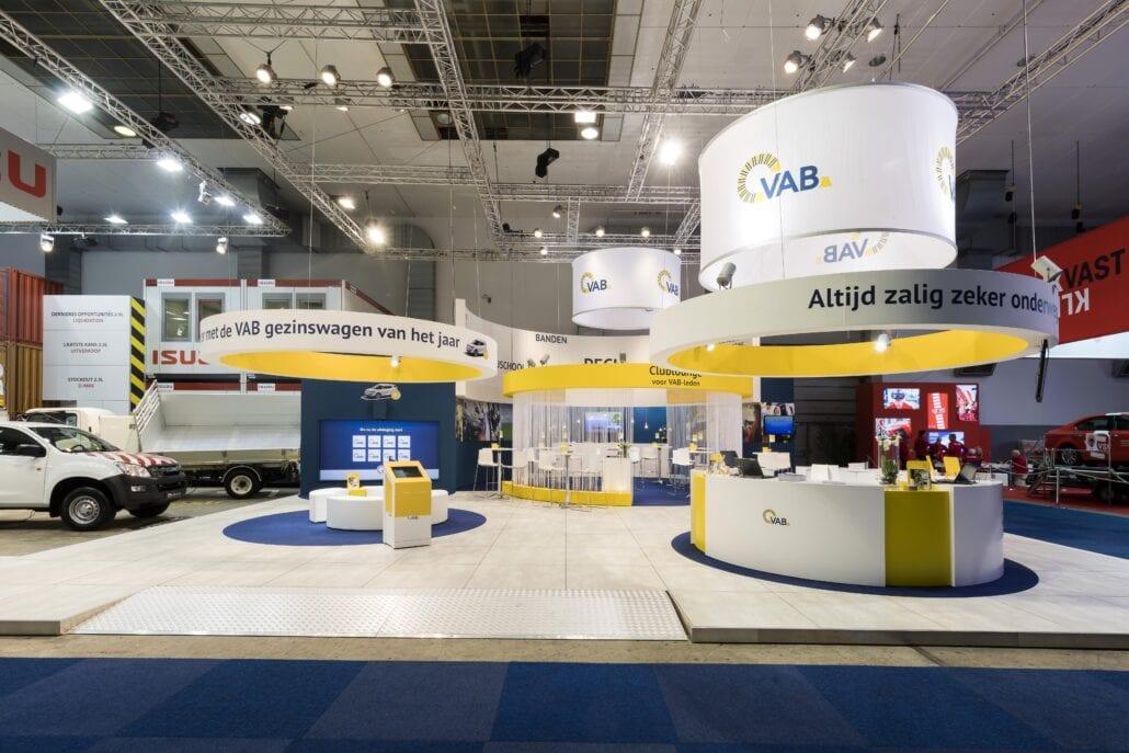 organische vormen op de VAB beursstand op het Autosalon Brussel