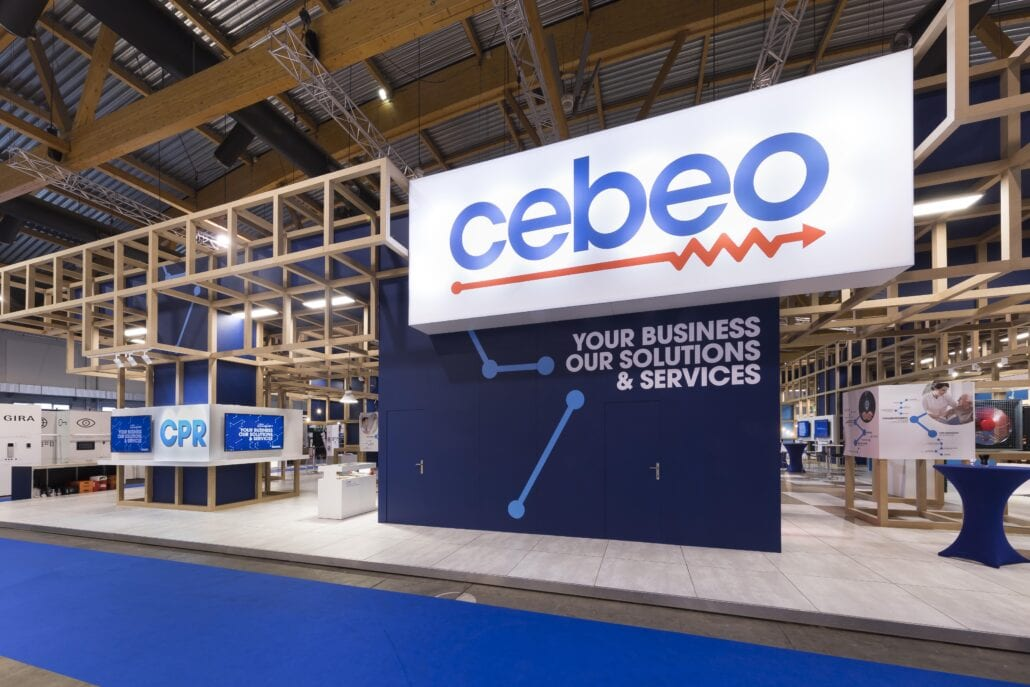 beursstand met houten constructie voor Cebeo op Technologie