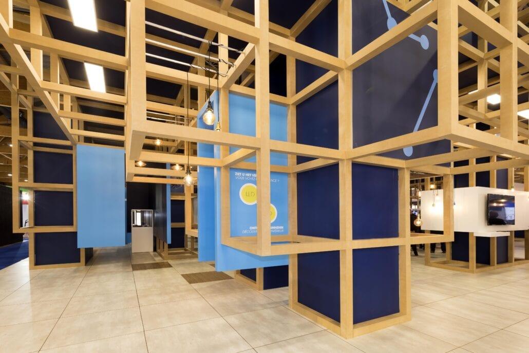 detail van de houtbouw beursstand constructie van Cebeo op Technologie te Brussel