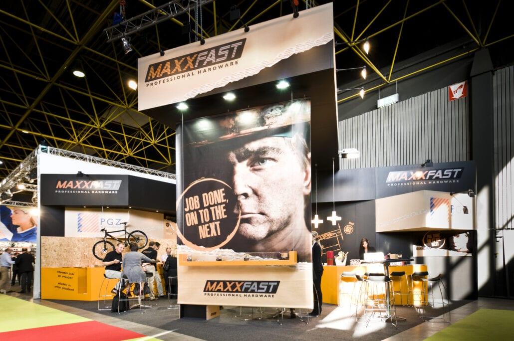 beursstand van Maxxfast op de DIY Homing beurs te Kortrijk