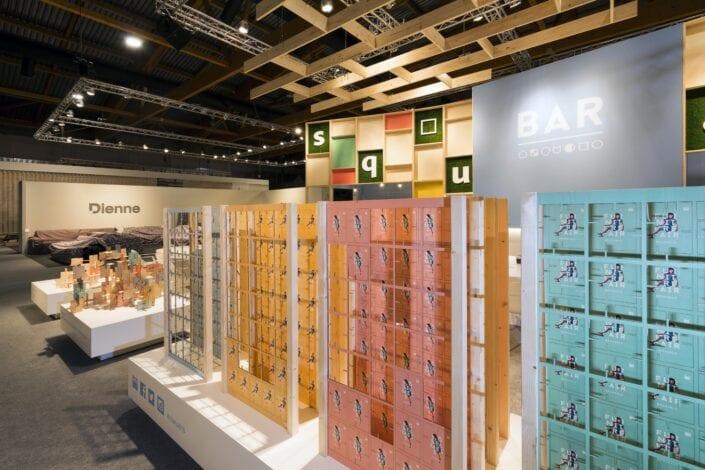 detail van de displays op de centrale beursstand van de Meubelbeurs van Brussel