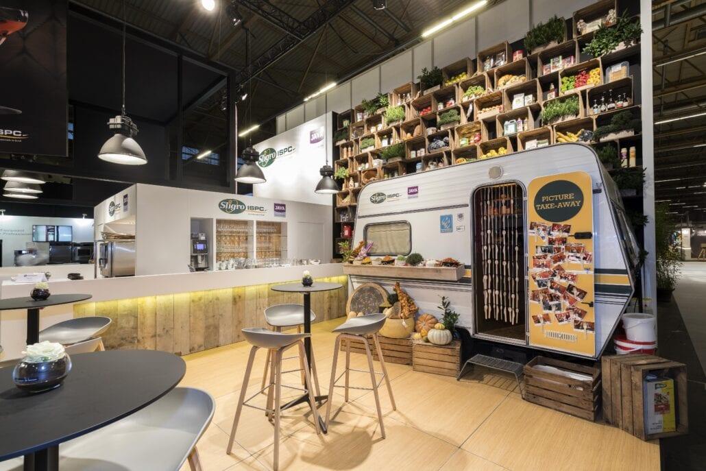 creatieve product presentatie op de beursstand van Sligro op Horeca Expo Gent