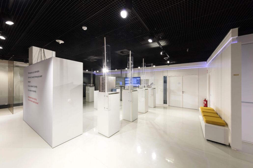 displays interieurbouw showroom OTN Systems